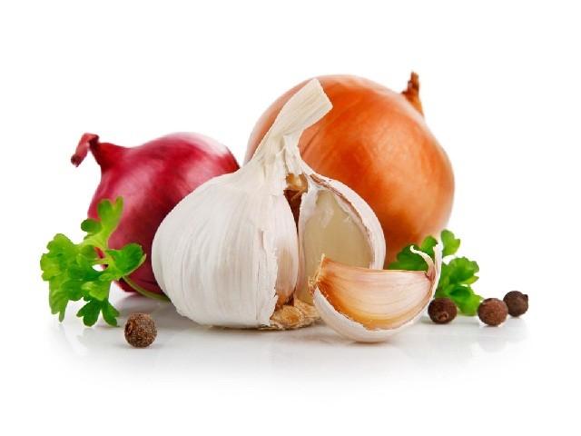 Pozione magica contro i batteri a base di aglio cipolla for Aglio porro