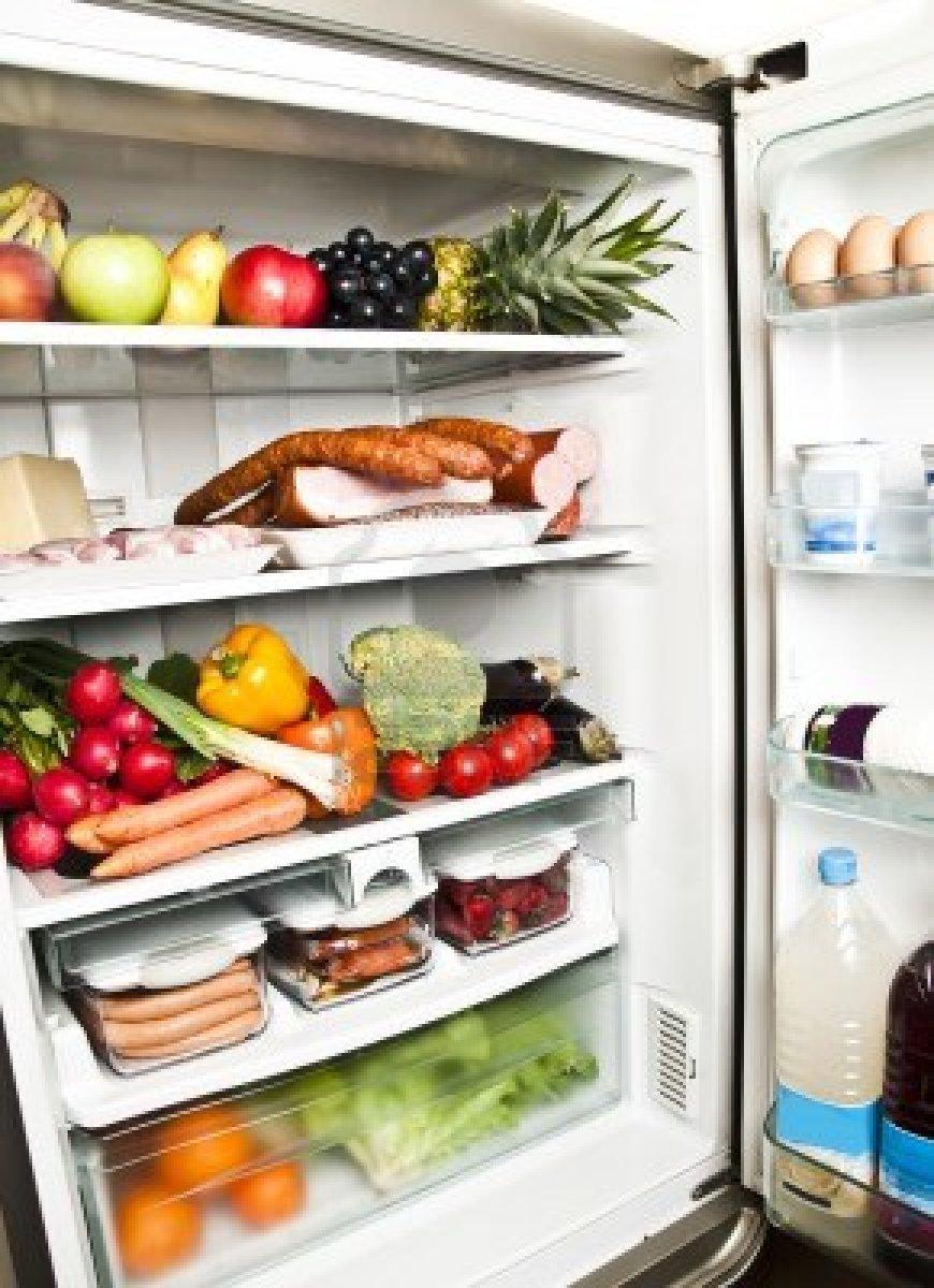 Consumare tanti piccoli pasti per ridurre lo stomaco