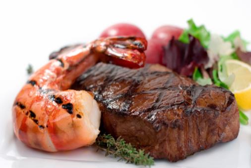 Non mangiare carne cosa comporta: benefici per la salute